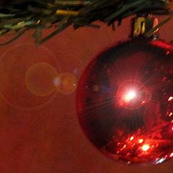 bola vermella de l'arbre